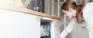 8 cosas que no deberías poner en tu lavavajillas